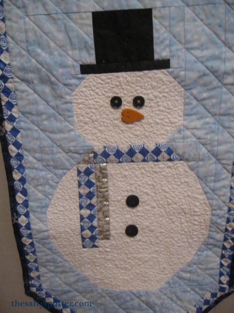The Salty Quilter - Snowman Door Hanger - snowman close-up